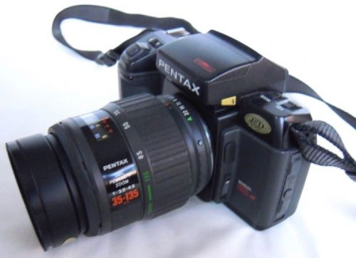 PENTAX SFX  35MM FILM CAMERA WITH 35-135MM F3.5-4.5 ZOOM LENS